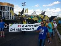 Manifestação em São Gabriel reúne centenas de pessoas