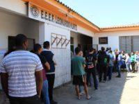 Eleitores enfrentaram fila em diferentes locais de votação em São Sepé