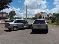 Dois veículos colidem em acidente no Bairro Kurtz