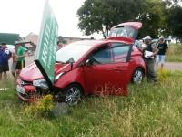Motorista perde controle de veículo no trevo do Ciep