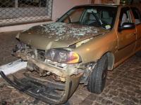 Motorista embriagado bate em três veículos em Santiago