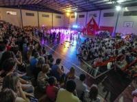 Natal em Canto reuniu centenas de pessoas no Colégio Madre Júlia