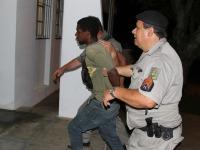 Duas prisões: Foragido do presídio e suspeito de crime são detidos