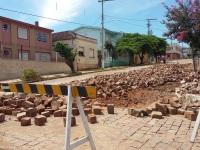 Calçamento danificado na Rua Riachuelo é recuperado