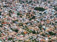 """Coronavírus já fez """"desaparecer"""" uma cidade do tamanho de São Sepé"""