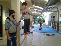 Escola de Formigueiro recebe oficinas de iniciação ao circo