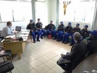 SIMUSS entrega uniformes para grupo de vigilantes do Executivo