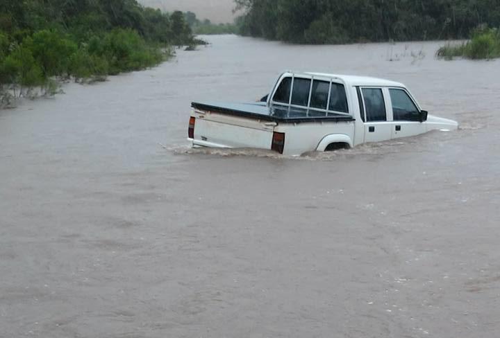 caminhonete chuva passinhos terceiros