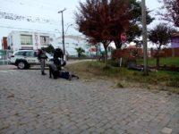 Motociclista foge de abordagem policial e sofre acidente