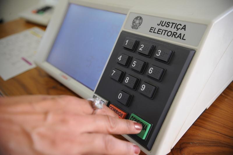 urna-eletronica-votacao-eleicao-eleicoes-voto-3