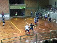 Equipes disputam vagas na semifinal do campeonato de futsal nesta sexta-feira
