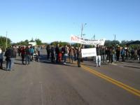 Manifestação bloqueia trânsito no trevo de acesso a Agudo