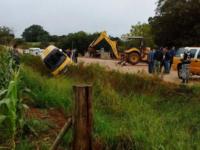 Tombamento de ônibus escolar foi causado por erosão na estrada