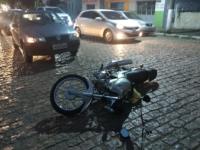 Colisão deixa motociclista ferido na Rua 7 de Setembro