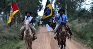 Grupo Rincão do Fraga teve cavalgada durante o final de semana