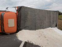 Caminhão tomba na ERS-149 em Formigueiro