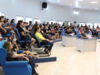 Professores municipais lotaram plenário da Câmara para acompanhar votação de projeto