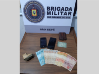 Dois homens são presos acusados de tráfico de drogas