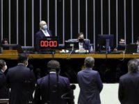 Câmara aprova adiamento das eleições, que devem acontecer em novembro