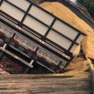 Ponte entre interior de Formigueiro e São Sepé quebra com caminhão carregado